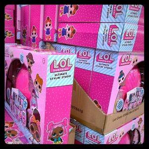 L.O.L. Surprise kit with purse.